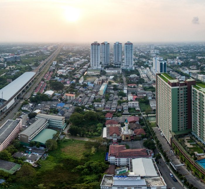 bangkok-hotel-near-the-airport-rail-link