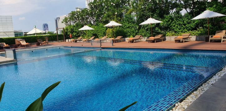 bangkok-hotel-swimming-pools