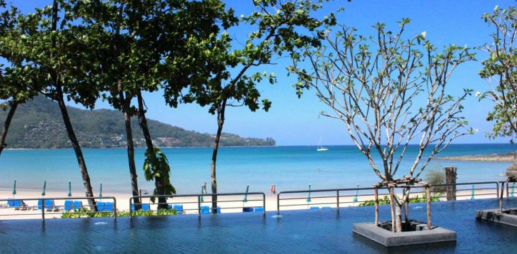 pool-and-beach-2