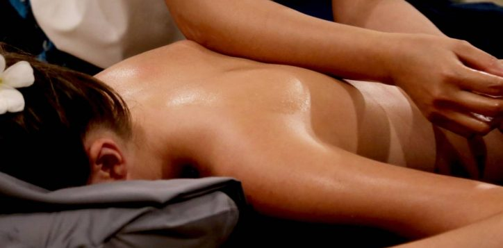 aroma-oil-massage-11