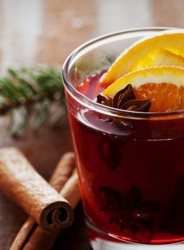 mulled-wine-by-sabrage