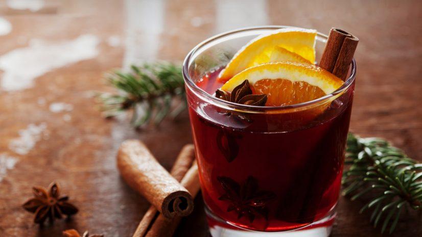 mulled-wine-by-sabrage