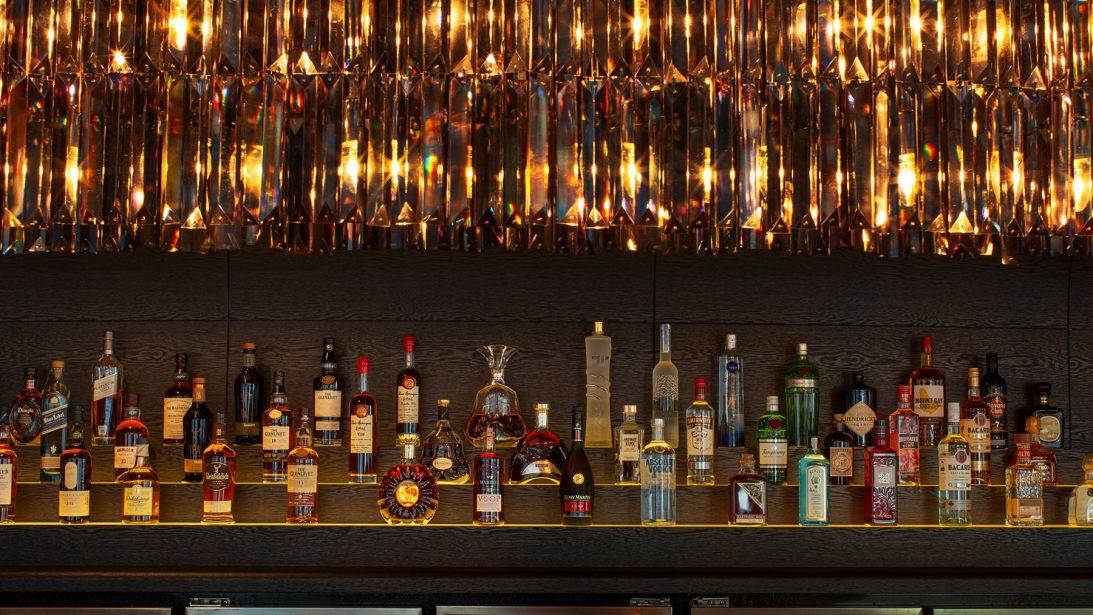 sabrage-champagne-bar