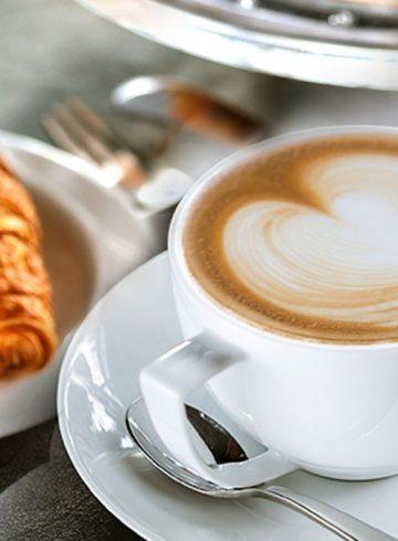 coffee-match-at-le-salon
