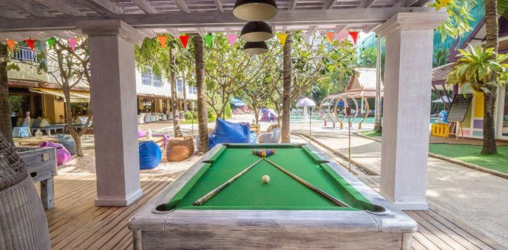 aqua-pool-bar-club-place-mercure-pattaya-hotel-social-6
