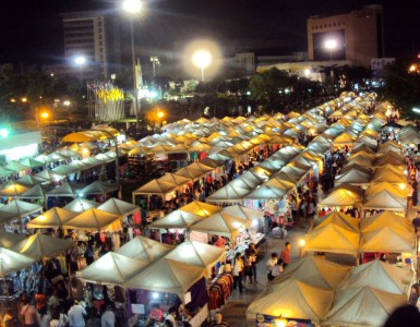 rot-fai-market-ratchada