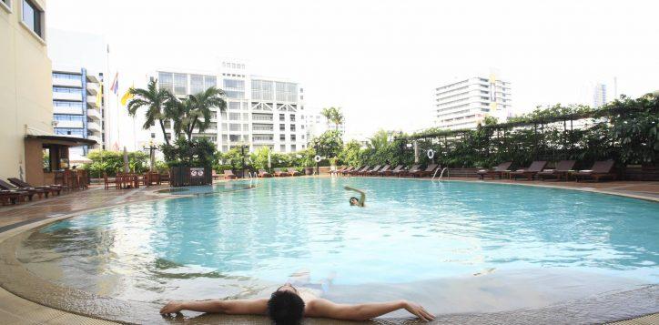 poolside3