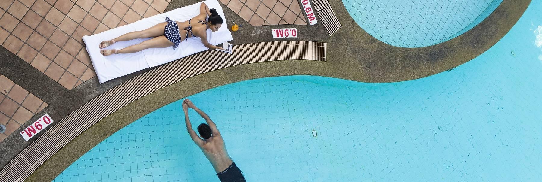 splash-poolside