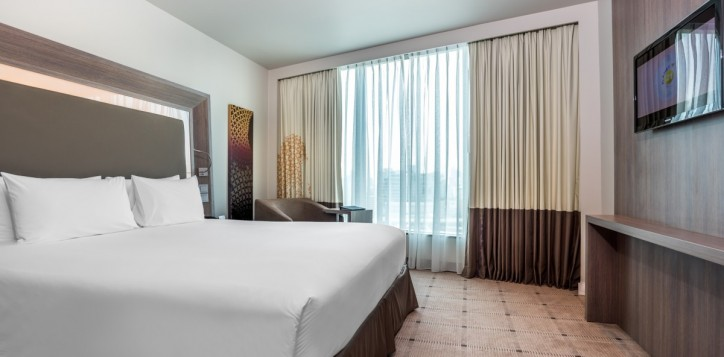 rooms-standard-room1_1920x1080