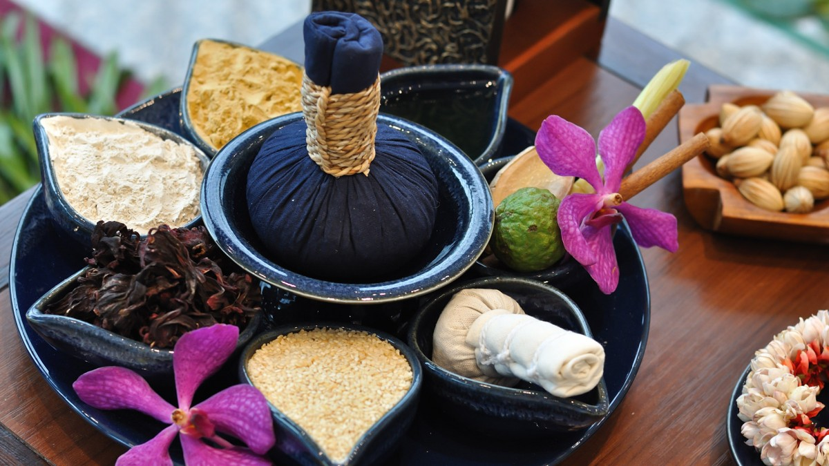 Thai Herbal Compress Massage Novotel Bangkok Platinum