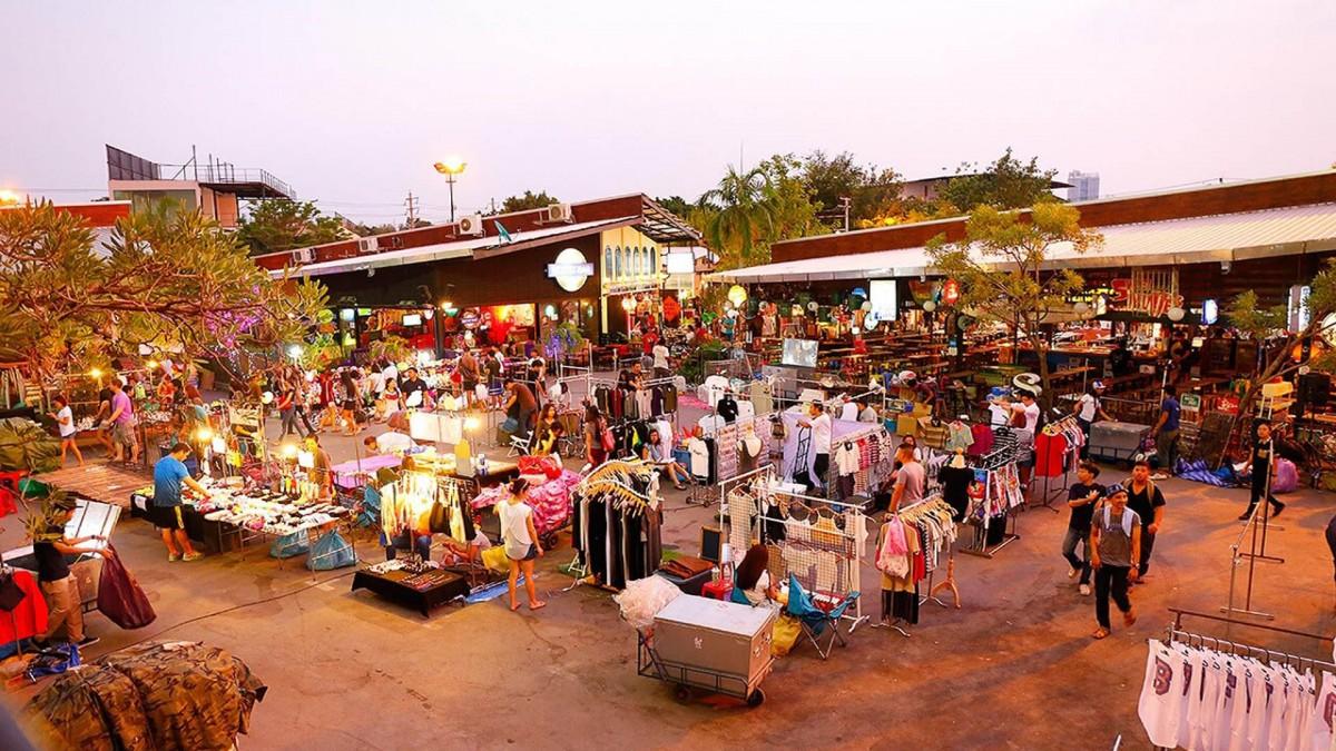 JJ Green Market | Novotel Bangkok Platinum Pratunam