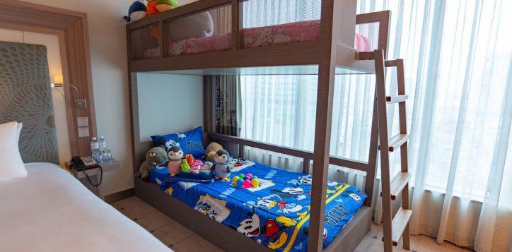 family-room-s2e-h7272_31
