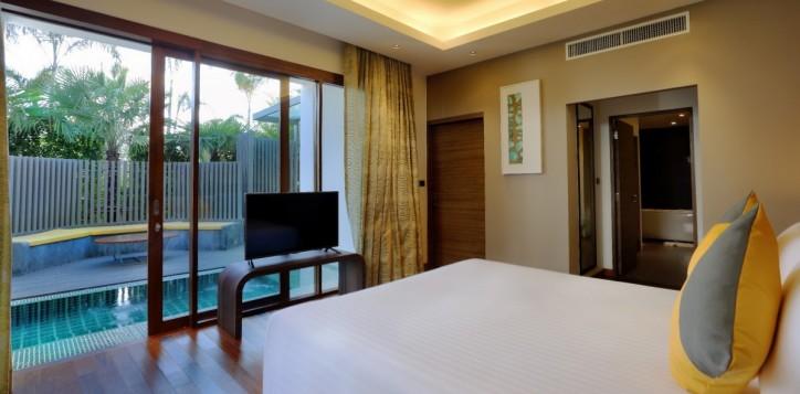guestrooms-plungepoolsuite-2
