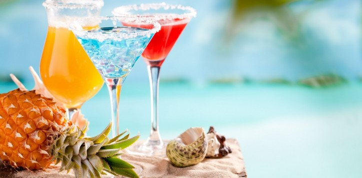 barsrestaurants-poolbar-happyhour