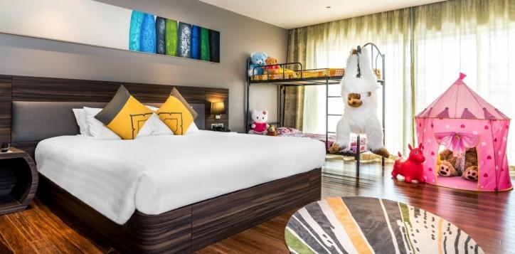 guestrooms-familyroom