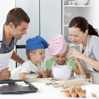 family-cooking-class