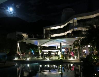 karon-beach-restaurant