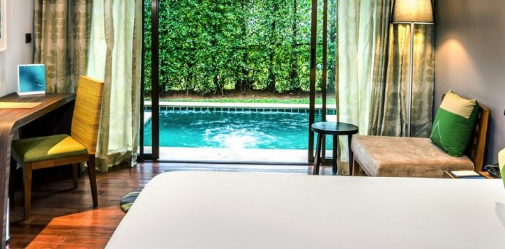 romantic-plunge-pool