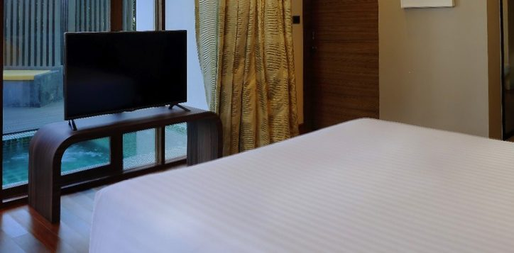 novotel-phuket-resort-plung-pool-suite-bedroom