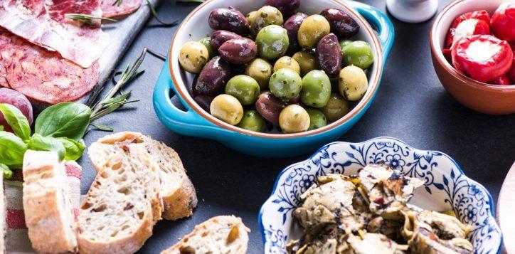 olive-bread-tapas-2