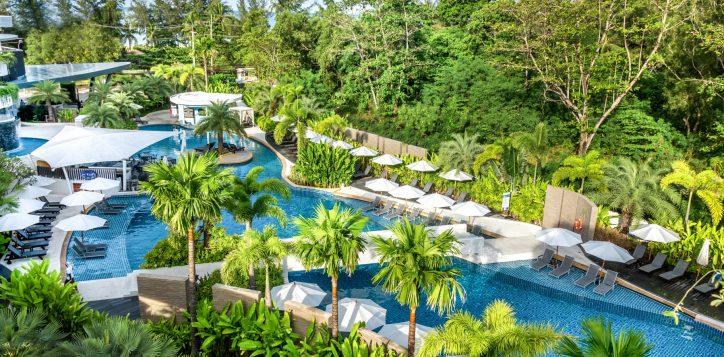 novotel-phuket-karon-lagoon-pool_27699996855_o