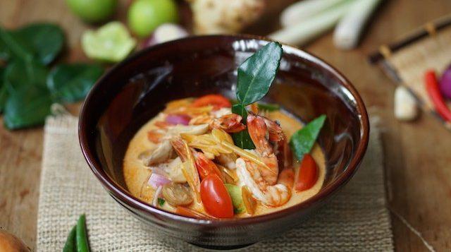 novotel-phuket-karon-oceans-restaurant-tom-yum-goong-nam-khon