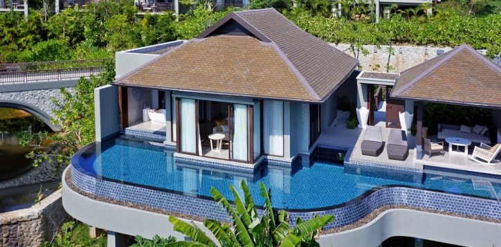 luxury-ocean-pool-villas