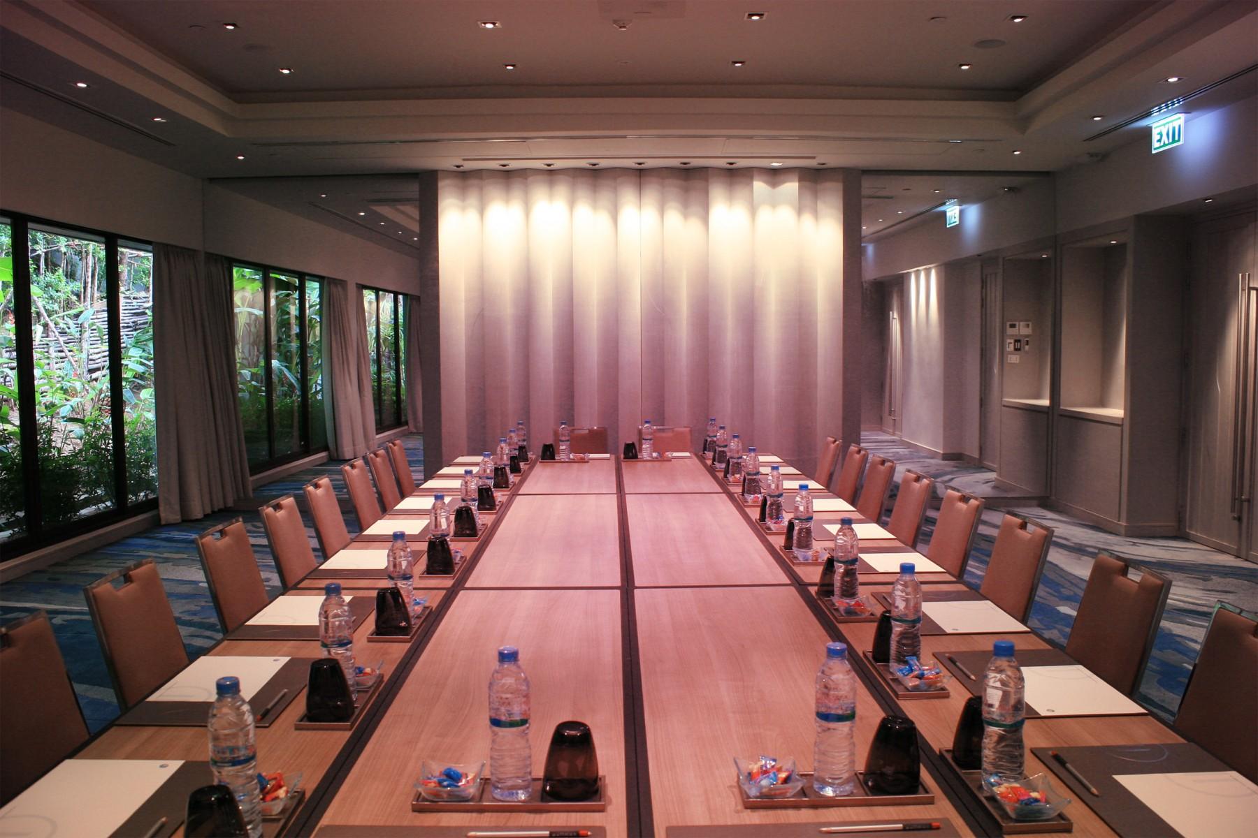 meetings-and-events-meeting-in-phuket-Arcadia-Ballroom-01-resized1.jpg