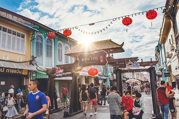 Lard Yai Markets