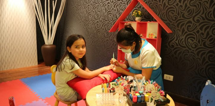 nail-painting-class