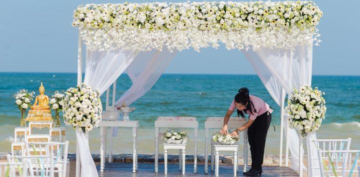 novotel-hua-hin-beach-wedding-set-up