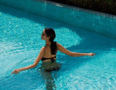 bangkok-hotel-with-a-swimming-pool