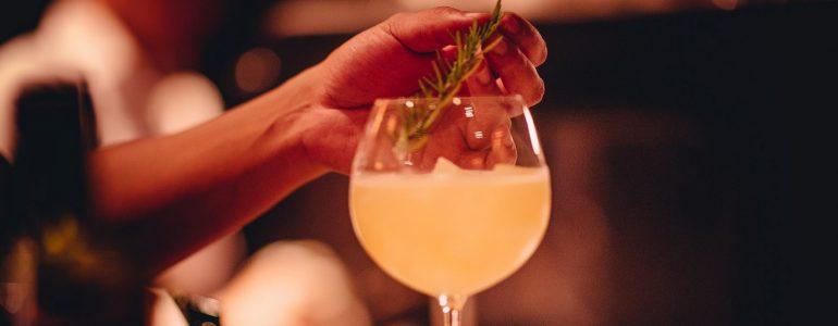 signature-gins-piano-bar