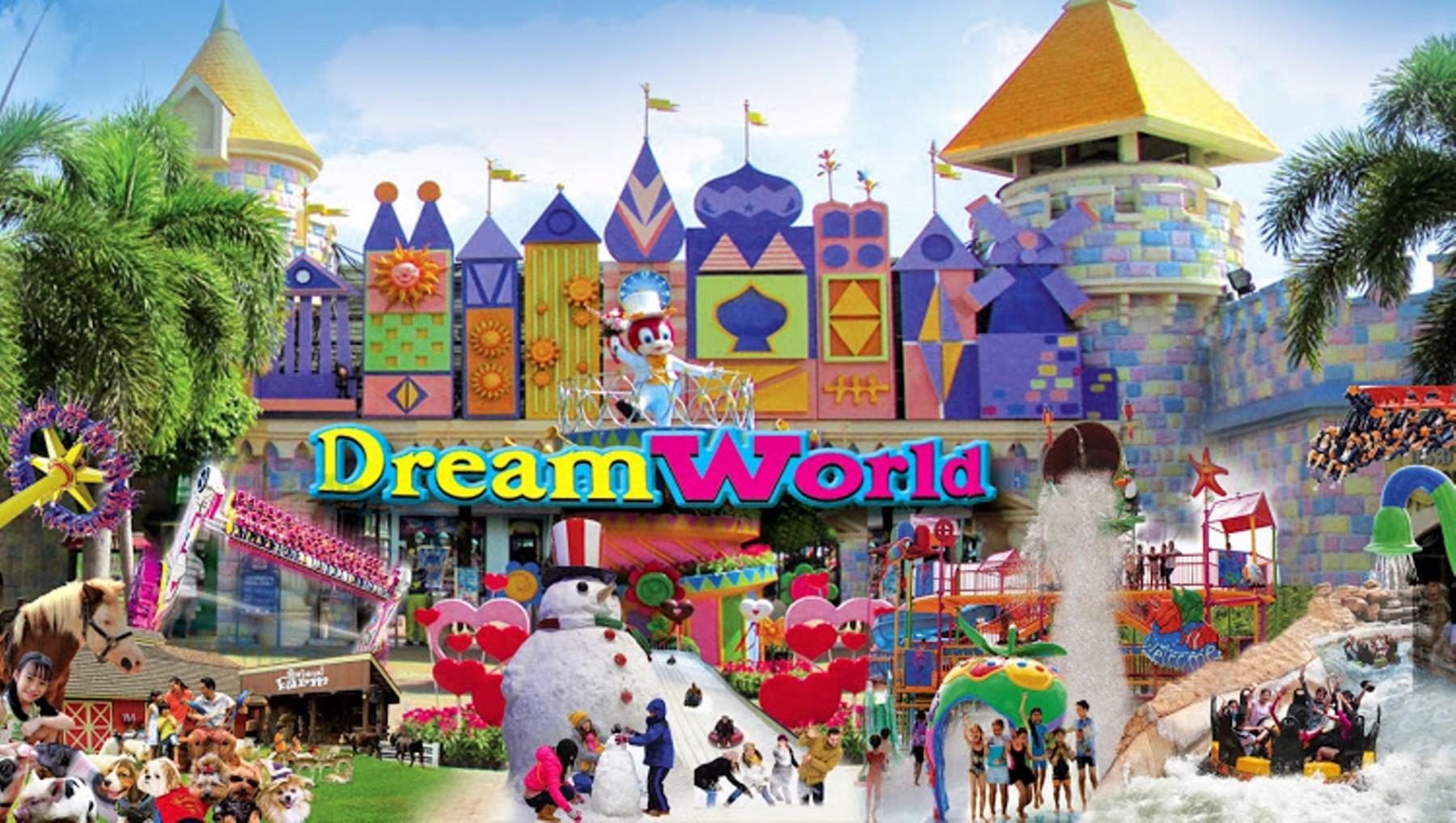 Medieval Bedroom Dream World Grand Sukhumvit Hotel Bangkok