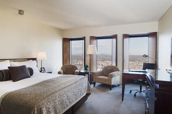 luxury-club-room