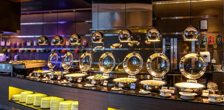 bar-and-restaurant-novotel-bangkok-ploenchit-sukhumvit-3