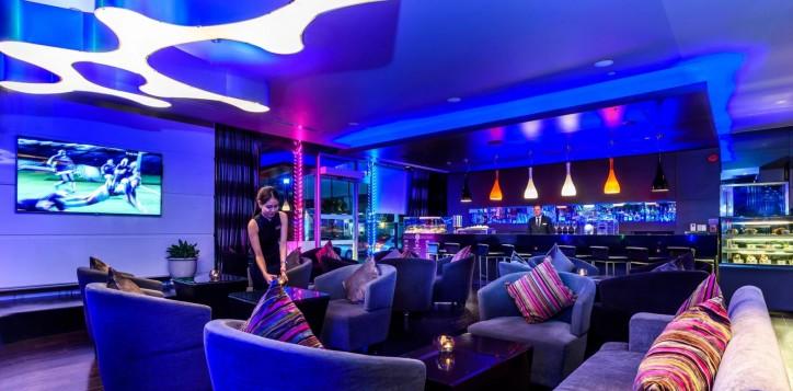dee-lounge-novotel-bangkok-ploenchit-sukhumvit-2