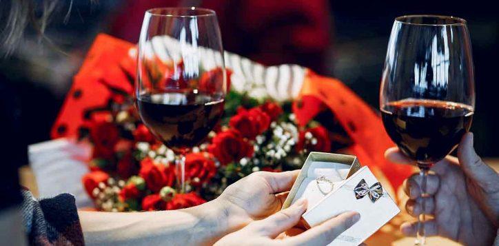 valentine-sky-lounge-reservation