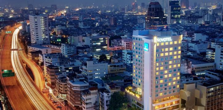 hotel-near-silom-nightlife