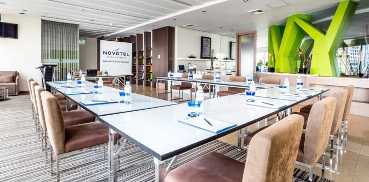novotel-bangkok-fenix-silom-meeting-_-event-u-shape