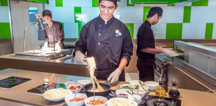 novotel-bangkok-fenix-silom-the-square-open-kitchen