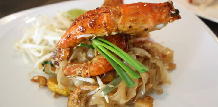 pad-thai-with-river-prawn