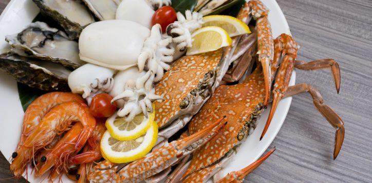 whack-a-crab-dinner-buffet-novotel-bangkok-silom-3