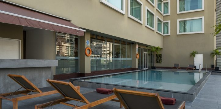 rs-swimming-pool-novotel-silom_008-2