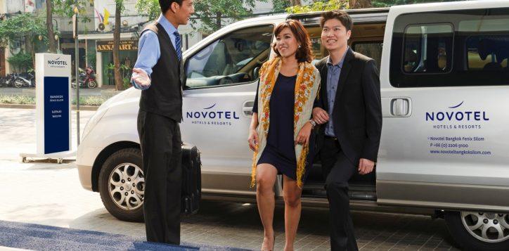 novotel-bangkok-fenix-silom-free-service-shuttle-van