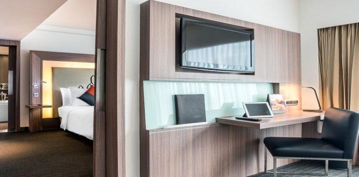 novotel-bangkok-fenix-silom-accommodation-suite-resized