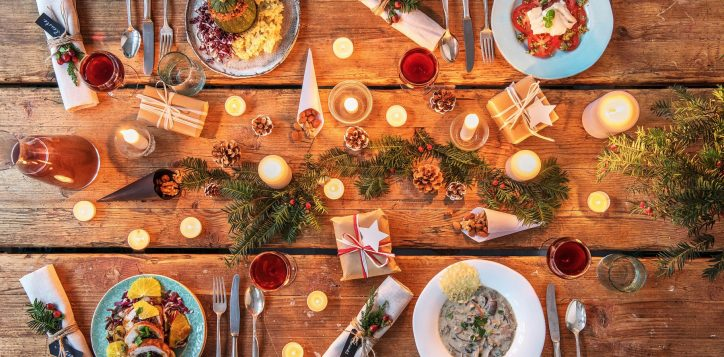 festive-thanksgiving-christmas-holiday-dinner-table3