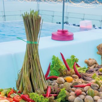sunday-pool-bbq-buffet