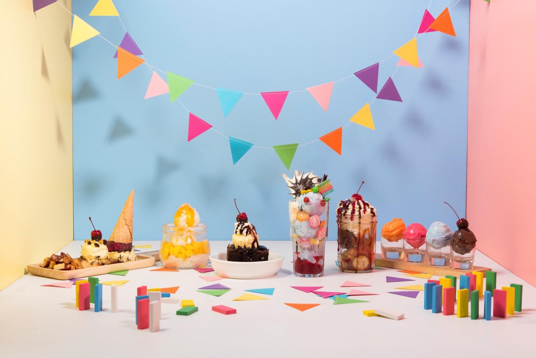 Ice cream sundae set at SO Sundae