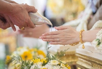 how much does a thai wedding cost